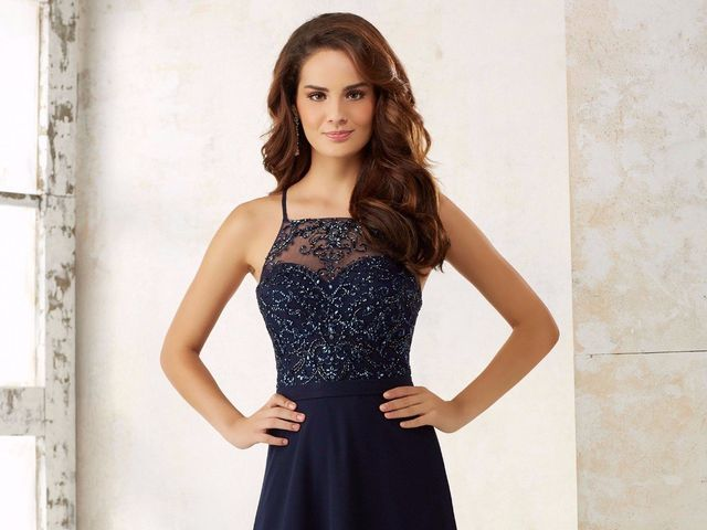 30 vestidos azules para un look de invitada
