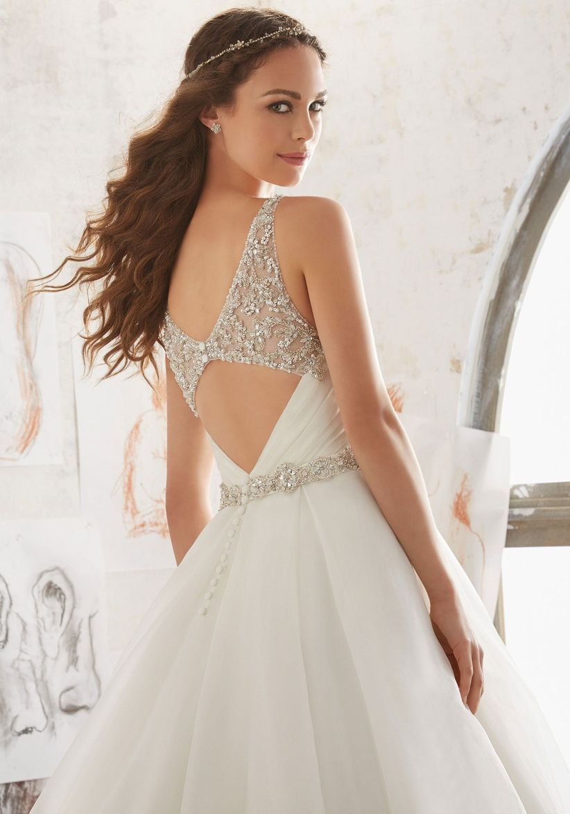 649e6e3c7 25 vestidos de novia con espaldas increíbles