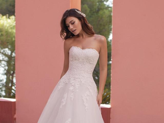 Estos son los mejores peinados para vestidos de novia strapless
