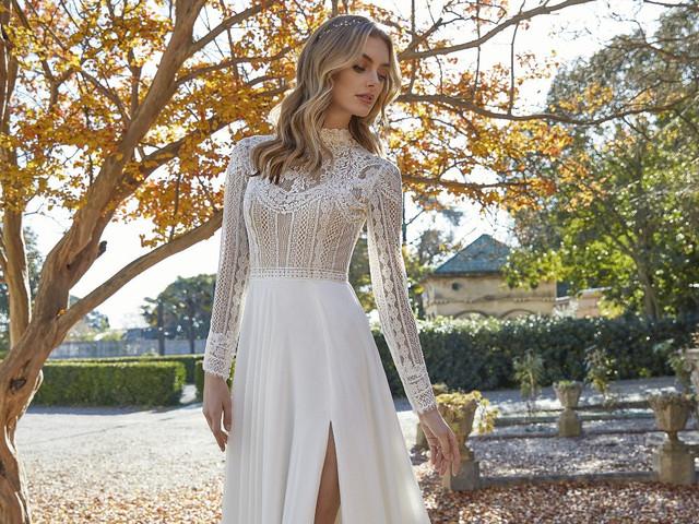Vestidos de novia con abertura lateral: 40 modelos de alto impacto