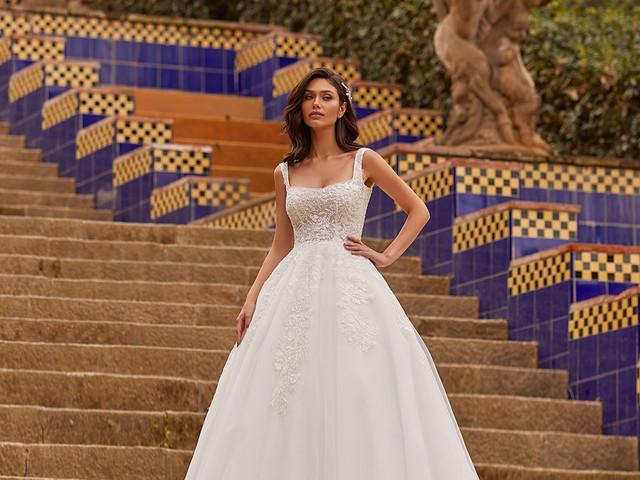 Los vestidos de novia con escote cuadrado son tendencia y acá te contamos cómo usarlos