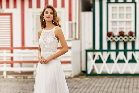 Vestidos de novia con escote redondo: 50 modelos para inspirarte