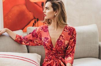 25 vestidos de fiesta estampados para todo tipo de casamientos