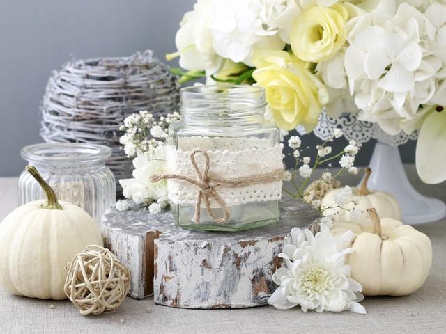 Portavelas DIY con encaje para decorar su casamiento