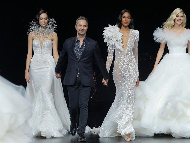 Vestidos de novia Pronovias 2020: inspiración estelar para tu gran día