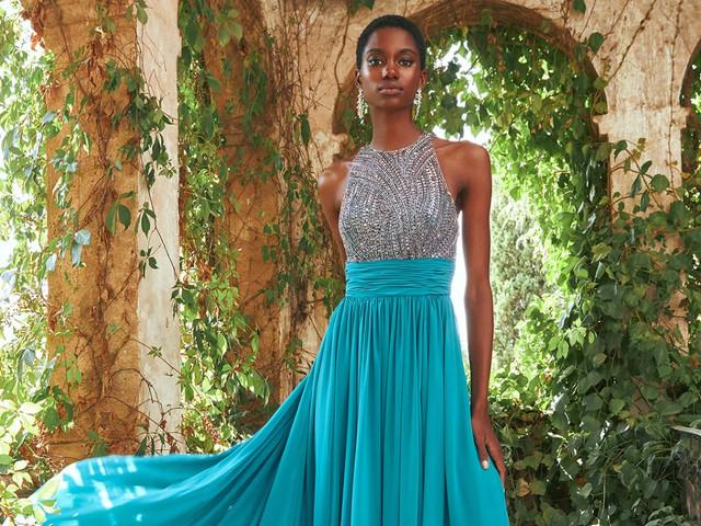 Descubrí la nueva colección de vestidos de fiesta de Pronovias: ¡una explosión de color!