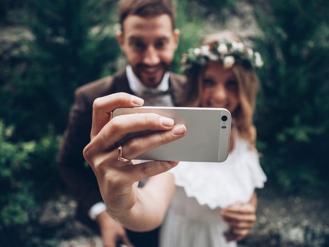 ¡Háganse un selfie de casamiento!