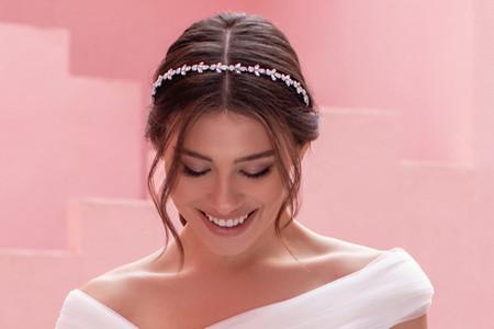 ¿Cómo elegir el tocado de novia según la forma de tu rostro?