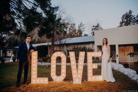 5 consejos para incluir letras luminosas en el casamiento