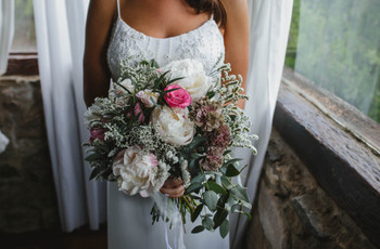 Ramo de novia con peonías: ideas y consejos para lucir uno en tu casamiento