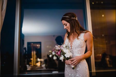 30 peinados con pelo suelto para un look de novia natural