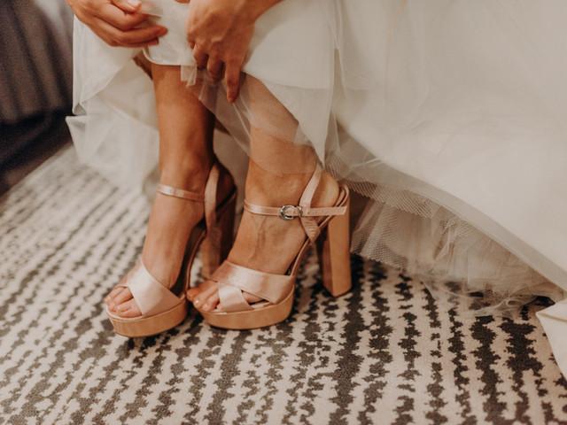 ¿Cómo elegir el color para los zapatos de novia?
