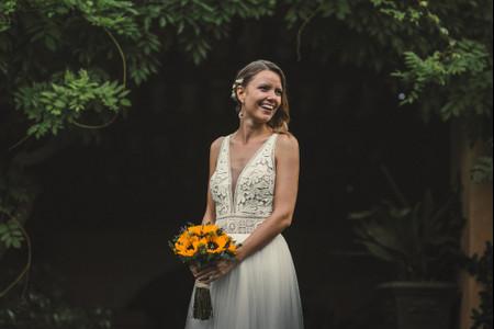 Peinados de novia con flores: 5 ideas para un look con mucha frescura