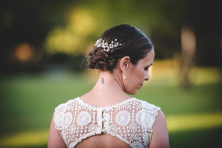 Peinados recogidos con trenzas: 50 looks versátiles y de tendencia
