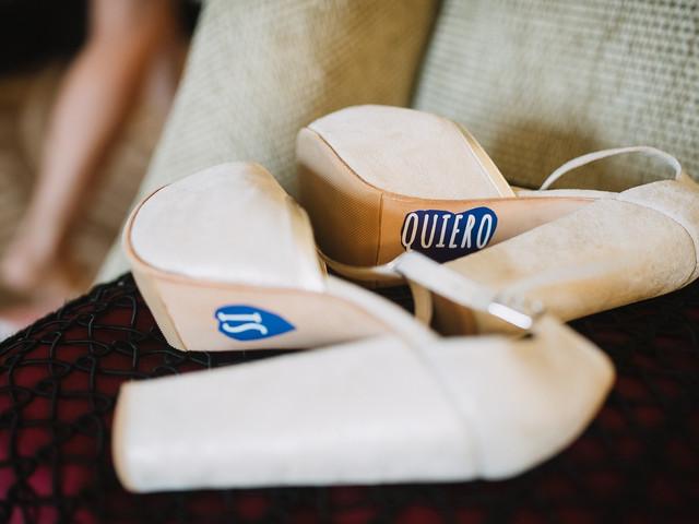 7 ideas para decorar las suelas de los zapatos de novia