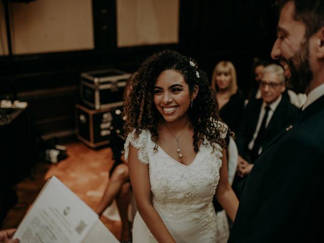 Peinados para novias con pelo rizado: 5 tips para lucir tus rulos