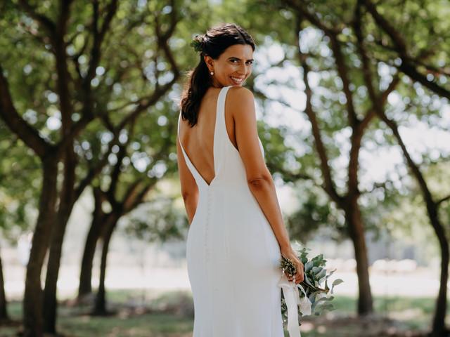 ¿Comprar, alquilar o elegir un vestido de novia a medida? Ventajas y desventajas