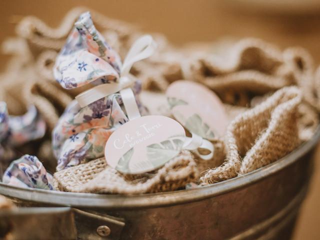¿Cómo calcular la cantidad de souvenirs para su casamiento?