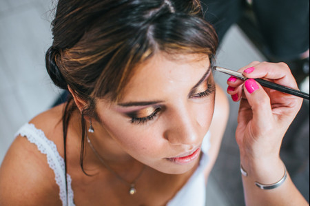 Glow make up, última tendencia en maquillaje para novias