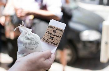 Pañuelos para lágrimas de felicidad: un original detalle para sus invitados