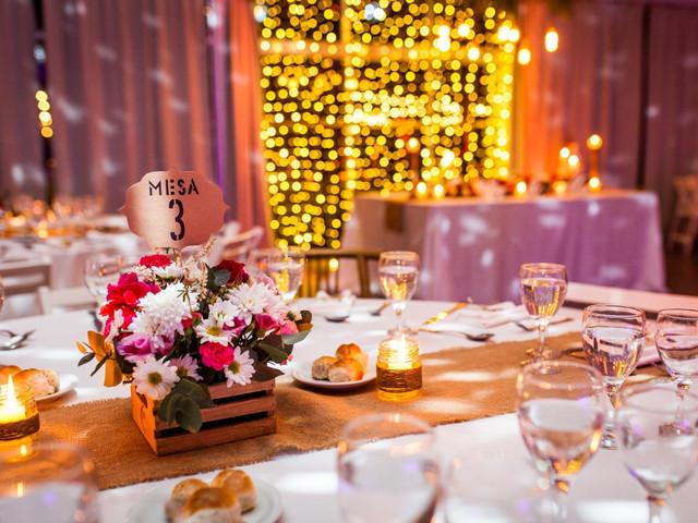 7 ideas de centros de mesa con velas: elegancia y romance