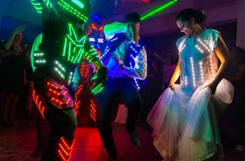 Robots led para casamientos: la tendencia que es furor en las fiestas argentinas