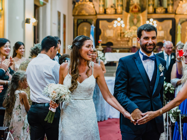 ¿Cuál es el protocolo para la novia si se casan por iglesia?
