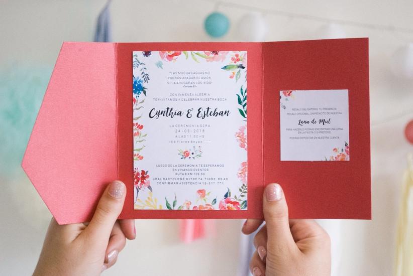 Tarjeta de casamiento sobre colores