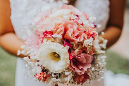 50 ramos de novia románticos para completar tu look