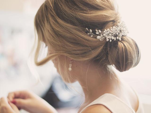 ¿Cómo elegir los complementos para el pelo? Consejos e ideas