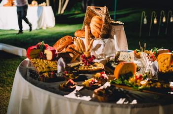 6 consejos para incluir un buffet de quesos en su casamiento