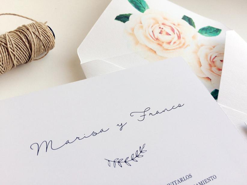 Tarjeta de casamiento minimalista flores