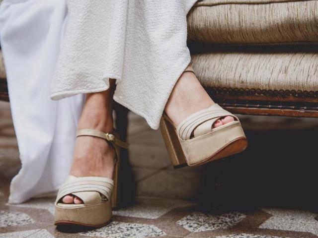 ¿Qué zapatos usar para un casamiento en la playa? 5 consejos