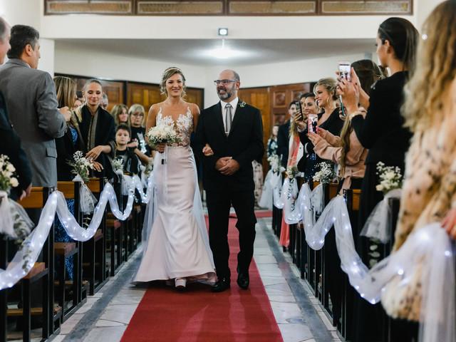 ¿Cuál es el protocolo de entrada y salida de la iglesia en un casamiento religioso?