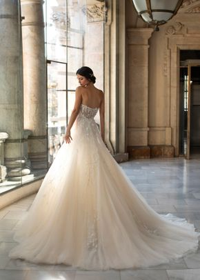 BROOKS, Pronovias