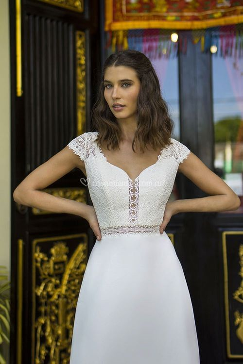 BM2133, Boheme from Mikonos By The Sposa Group Italia