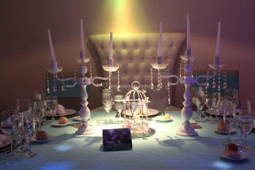 Mesa principal ambientada