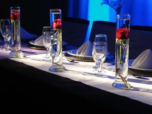 Rosas como centro de mesa