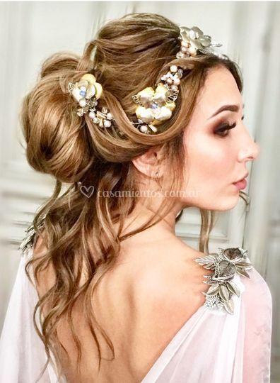 Peinado novia con tocado