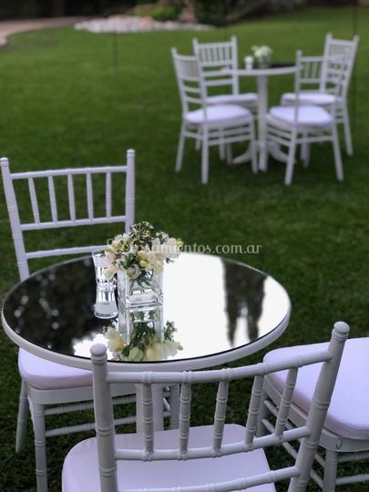 Mesa cafetín blanco
