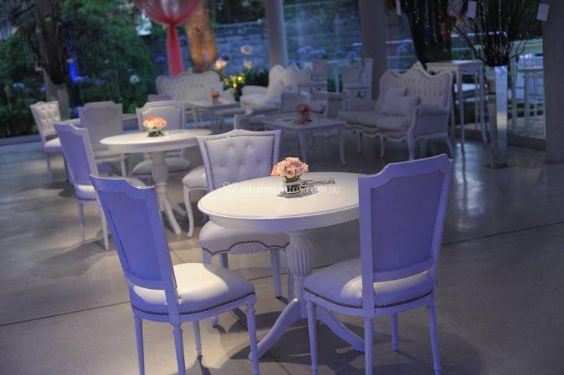 Mesa Sheraton, sillas estilo