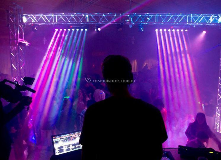 DJ en la fiesta
