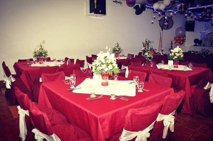 Mesas con centros de mesa
