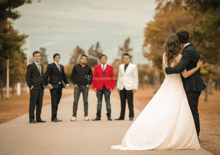 Amigos en la boda mas esperada