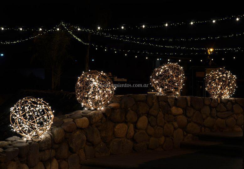 Deco con esferas luminosas