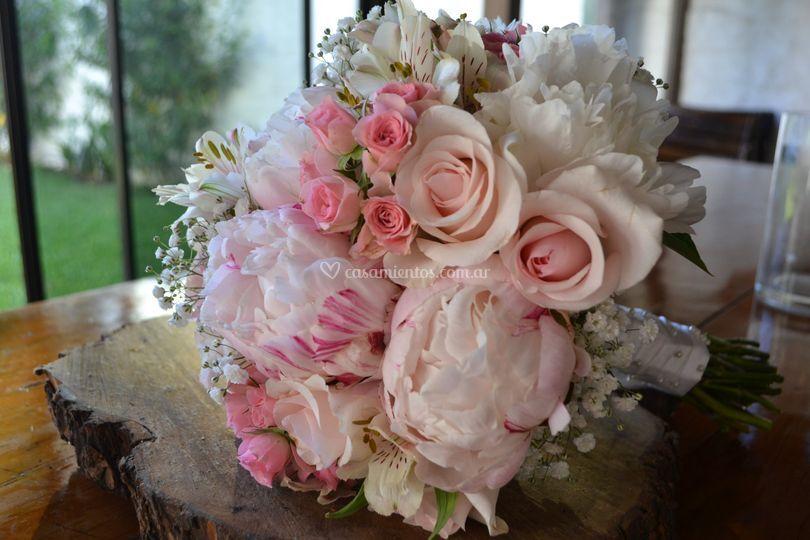Flower Kiss by Silvina Kiss