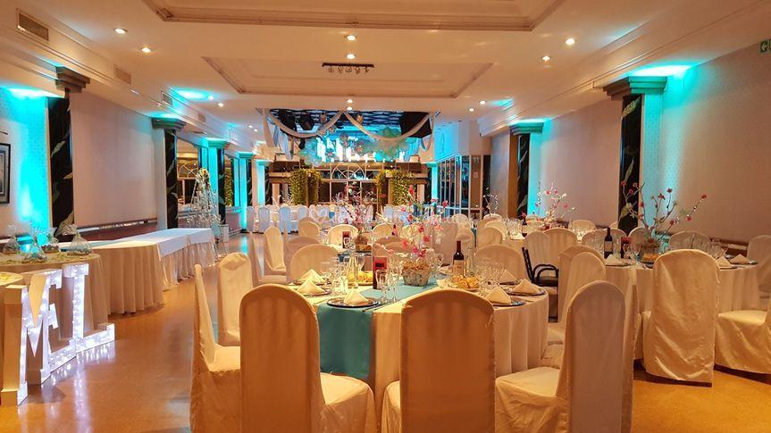 Mirage Salón Amelie