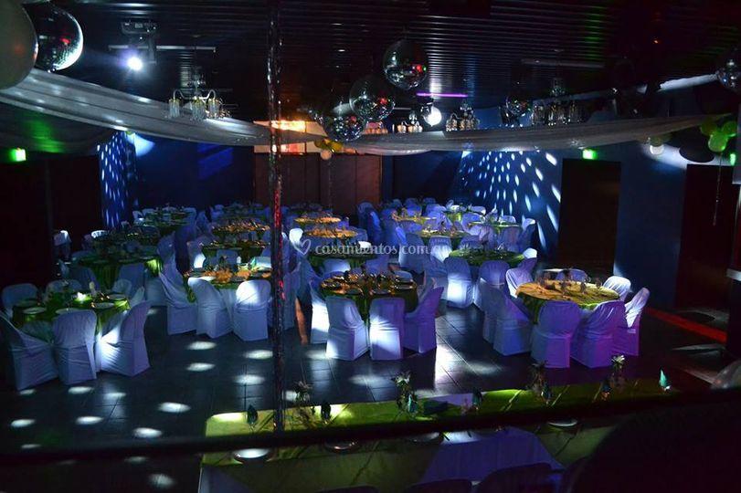 Salón con efectos de luces
