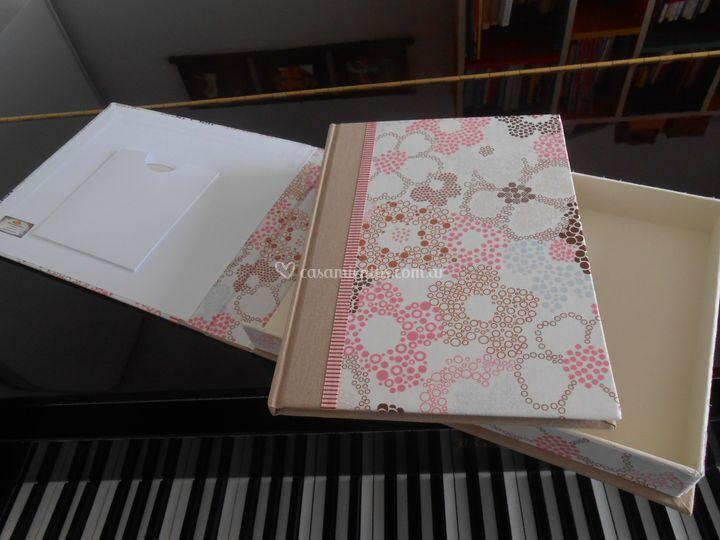 Álbum y caja