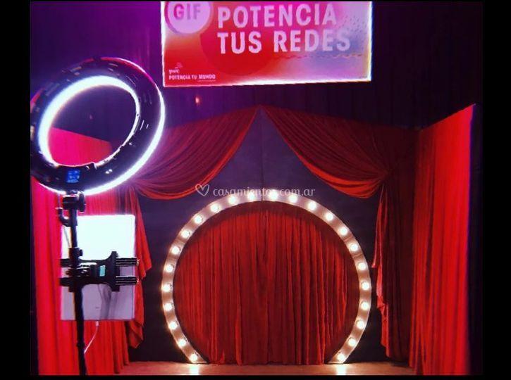 Gif booth - circus station